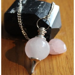 PENDULE BOULE QUARTZ ROSE